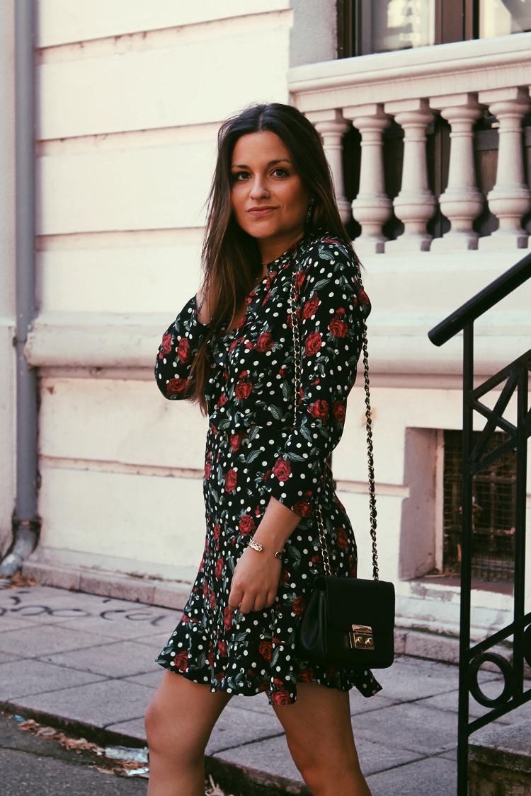 look blog de moda vestido flores lunares volantes