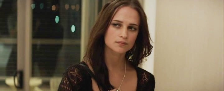 Alicia vikander son of a gun