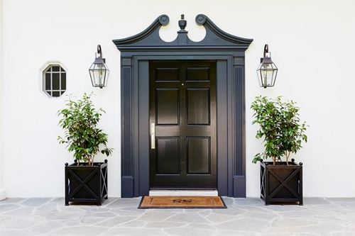 Just As A White Door Can Look Striking Against A Black Or Grey House, A Black  Door Against White Or Pale Grey Paintwork Can Look Amazing.