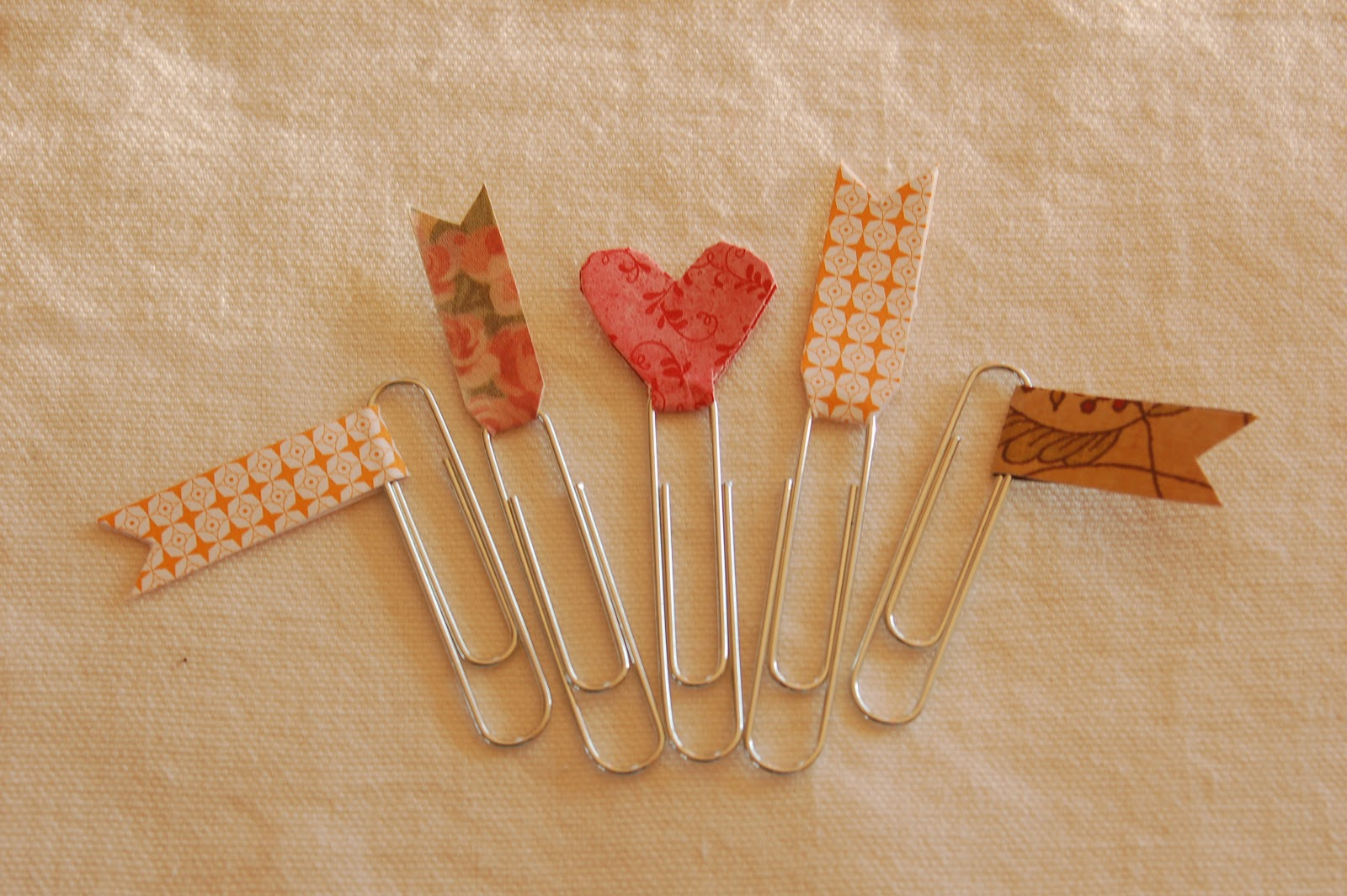 Fairview Farm Valentine Paper Clip Bookmarks And A Fun Crayon Project
