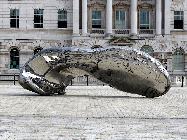 Frozen Wave (The Conservation of Mass) by Marc Quinn, Somerset House, London