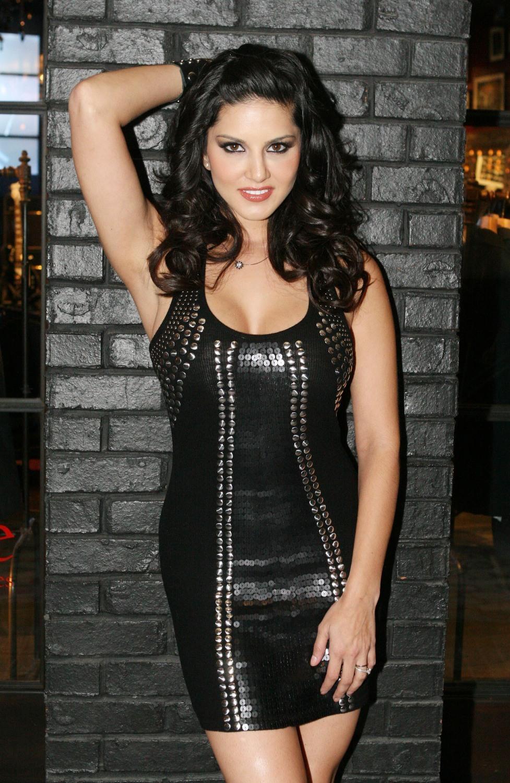 Sunny Leone Hot Latest Photo 2012  Hot Actress Picx-1012