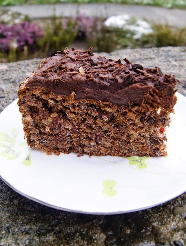 torcik bezowy z czekoladą