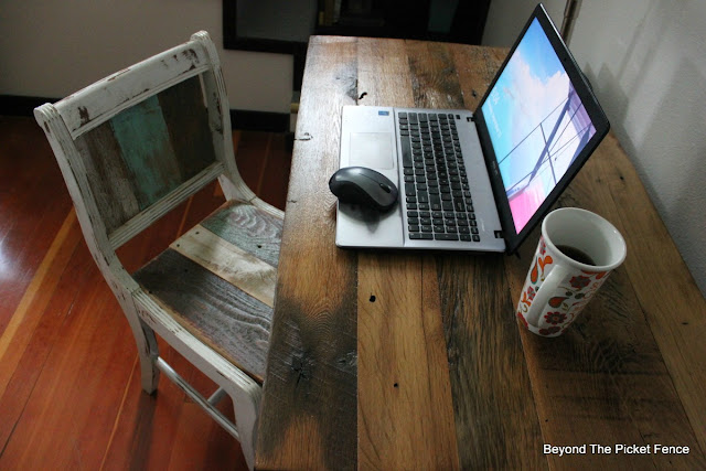 farmhouse table, rustic desk, barnwood, wood chair, minwax, natural wood, hardwood,https://goo.gl/40jXdX