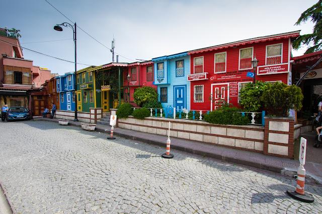 Case in legno colorate Istanbul