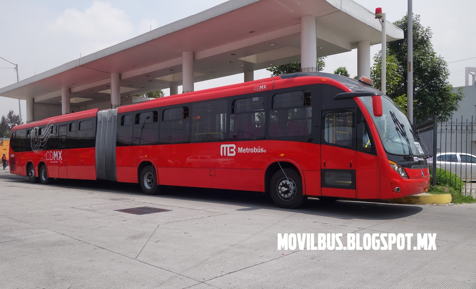 Movilbus mercedes benz neobus mega brt super articulado for Mercedes benz com mx mexico