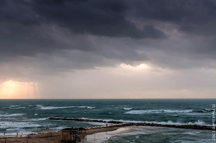 Tel Aviv Sunset Storm 007 Hilton Beach: The Storming Sea Tel Aviv Photos Art Images Pictures TLVSpot.com
