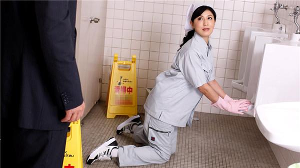 UNCENSORED Pacopacomama 021019_031 パコパコママ 021019_031 便所で悶える清楚な掃除婦, AV uncensored