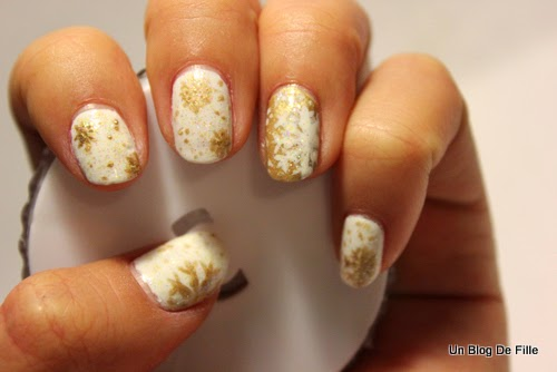 http://unblogdefille.blogspot.fr/2014/12/nail-art-new-years-eve-nailstorming.html