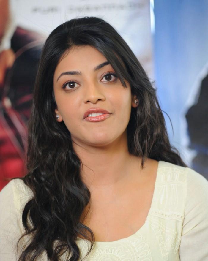 Unseen Tamil Actress Images Pics Hot: Kajal Agarwal Cute