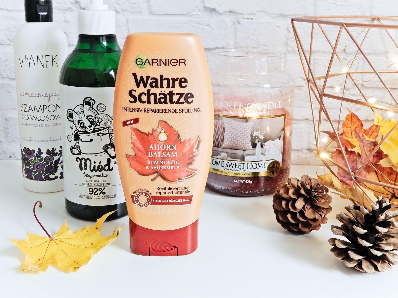 szampon wzmacniający z Vianka z fioletowej serii, Garnier z syropem klonowym i olejkiem rycynowym, kuchenne mydełko marki YOPE miód i bergamotka