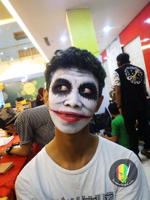 face painting-smailing joker