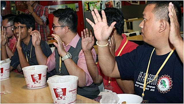 Maut Tercekik Ayam KFC