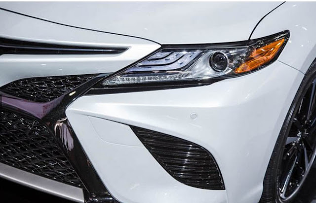 2018 Toyota Camry Xse White