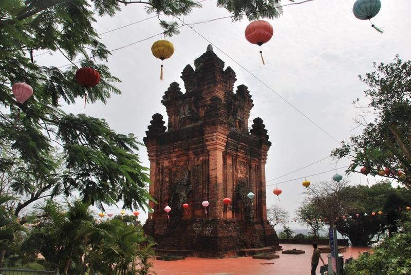 Tham quan Tháp Nhạn ở Tuy Hòa