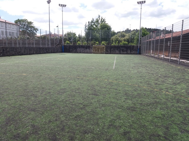Campo de Futebol com relva sintética em Ponte da Barca