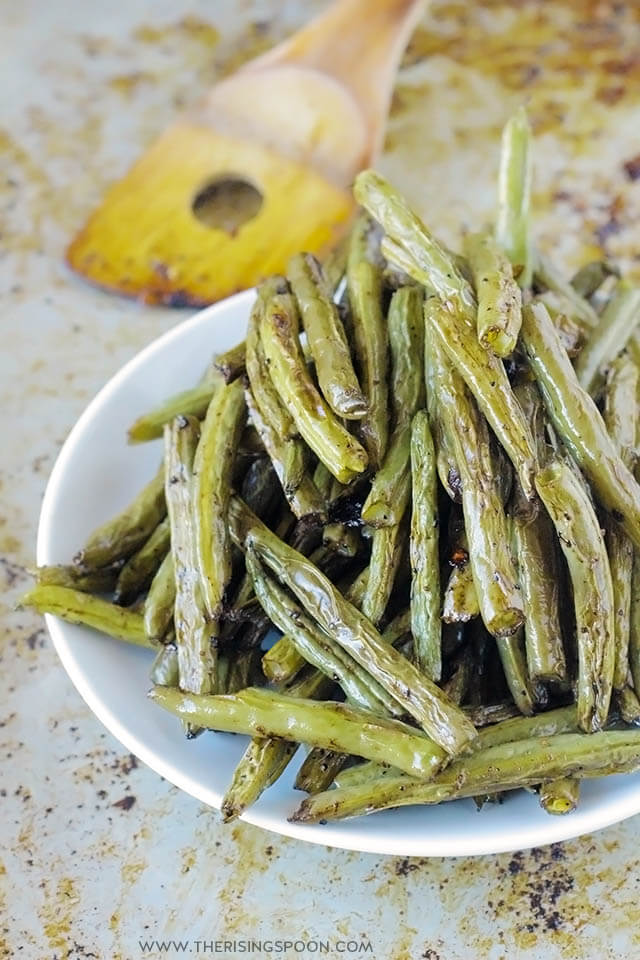 Balsamic Roasted Green Beans Recipe (Easy 30-Minute Side Dish)
