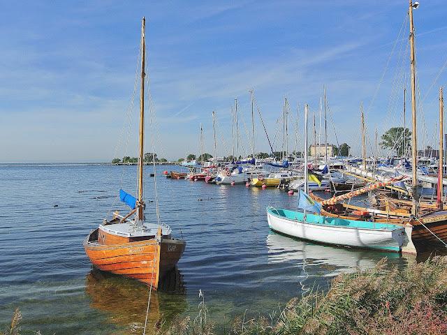 kaszubskie łodzie w Jastarni,port, jachty