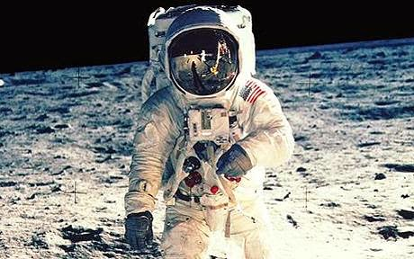 funny lunar woman moon landing joke picture