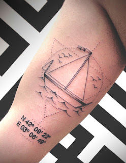 tatuaje velero cordenadas