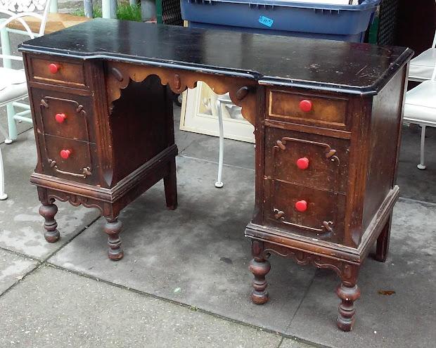 No Mirror Vanity Desk
