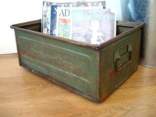 Cajas antiguas de metal para almacenaje y decoración