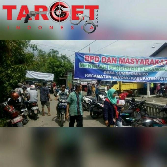 Kisruh, Ratusan Warga Sumbermulyo Menolak Pembentukan Pansel Pengisian Perangkat Desa