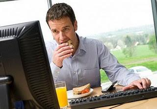 5 Alasan Mengapa Pekerja Kantoran Semakin Bertambah Gemuk