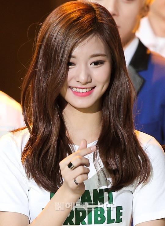 pop female idols  sweet dimples daily  pop news 540 x 738 · jpeg