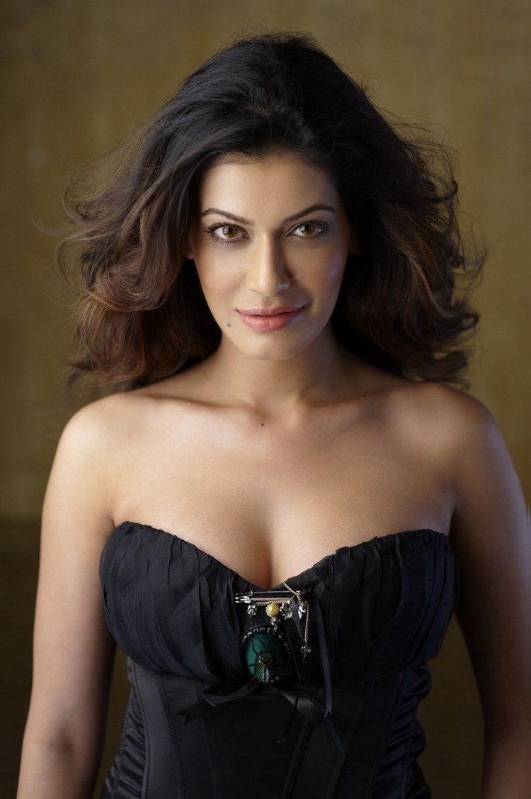 Payal Rohatgi Sexy Sizzling Photo Stills