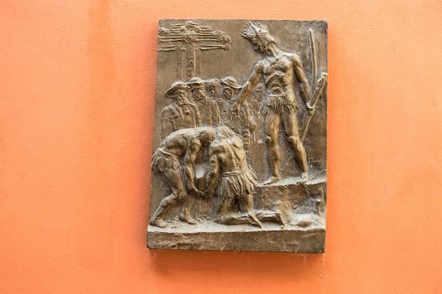 """A escultura """"Fundação de Curitiba"""" de João Turin"""