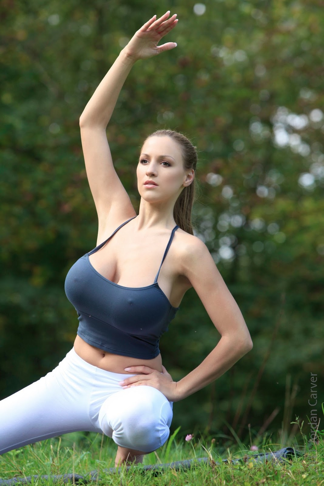 Jordan Carver - Sexy Yoga Demonstration  Pictures -7566