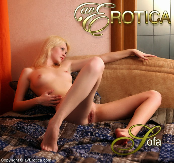 JdqhtEroticj 2014-08-14 Marta - Sofa 09080