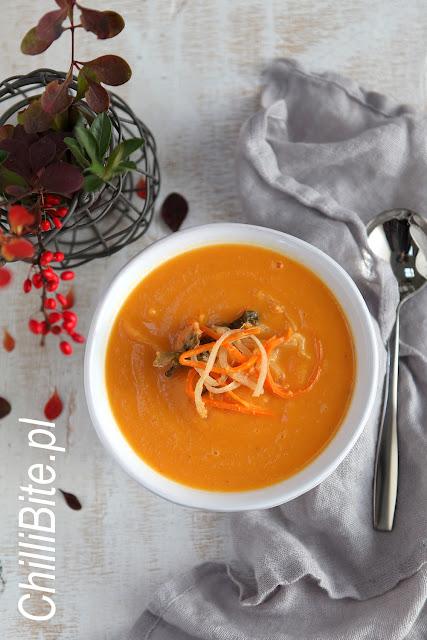 zupa z batatów i kimchi