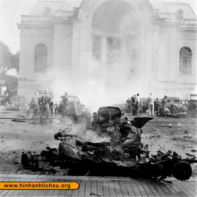 Vụ đánh bom trước Dinh Xã Tây và trước Nhà hát Sài Gòn năm 1952