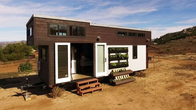 Tiny house town the survival tiny house for Tiny house nation where are they now