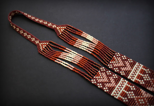 авторский коричневый гердан ручной работы купить в интернет магазине