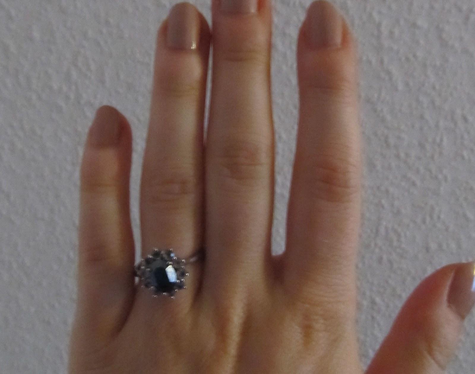 coco 39 s kleine welt schmuck von six und vom flohmarkt ohrringe kette und ein ring. Black Bedroom Furniture Sets. Home Design Ideas