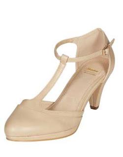 zapatos de tacon salomes de color beige en oferta