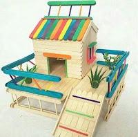 casita construida con palitos de helado