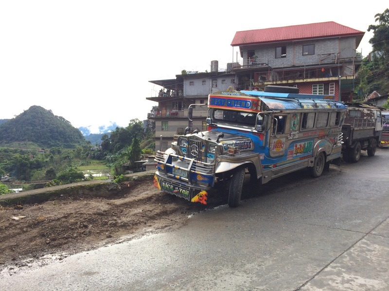PHILIPPINES : Jeepney Banaue / www.by-laura.fr