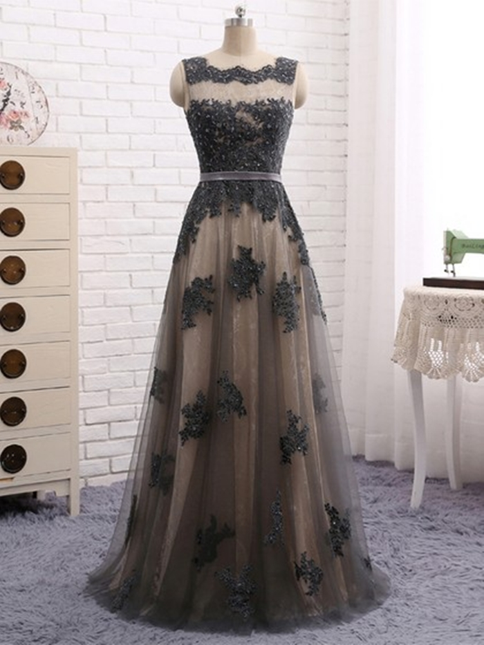 http://uk.millybridal.org/product/lace-tulle-scalloped-neck-a-line-floor-length-appliques-lace-prom-dresses-ukm020105329-21993.html?utm_source=minipost&utm_medium=2597&utm_campaign=blog