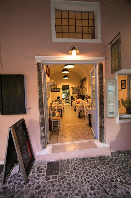Taverna Nicholas-Fira-Santorini