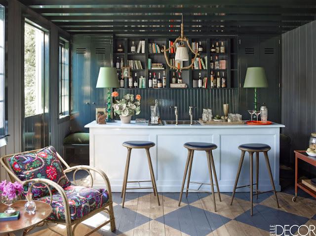 Skandinavisch oder amerikanisch? Holzhaus in Kalifornien im Vintage Design eingerichtet: Küche
