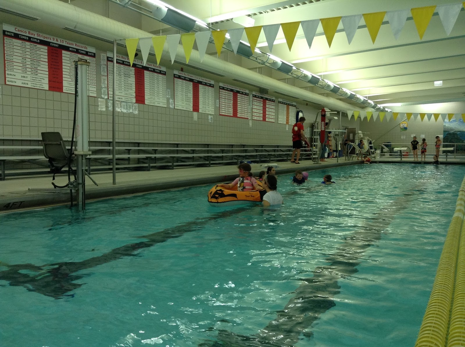 La journ e pyjama et les gilets de sauvetage la piscine for Journee piscine