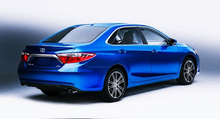 2017 Toyota Camry SE Review US