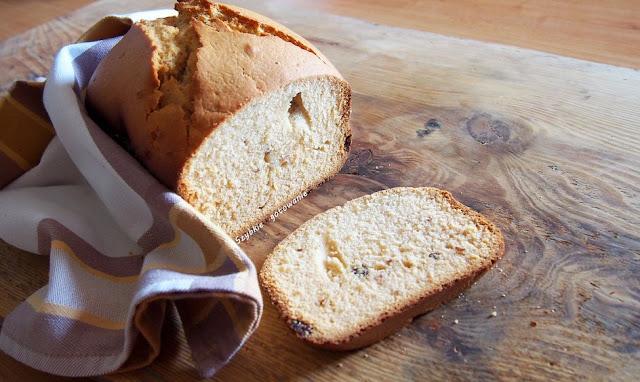 Słodkie ciasto, keks, z maszyny do wypieku chleba