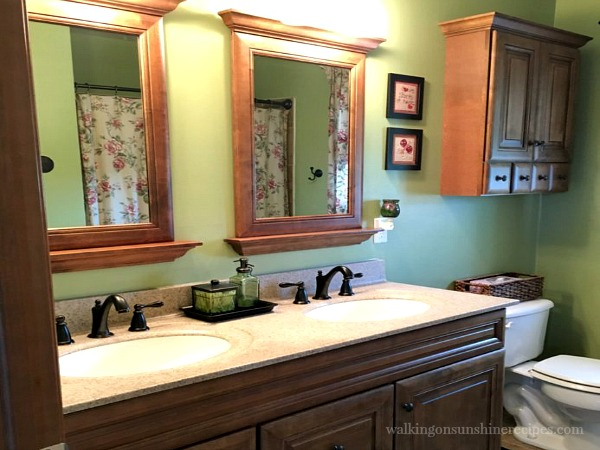 Bathroom Organization from Walking on Sunshine