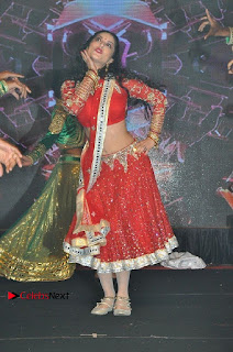 Bollywood Actress Model Sunny Leone Dance Performance in Red Half Saree at Rogue Audio Launch 13 March 2017  0180.jpg