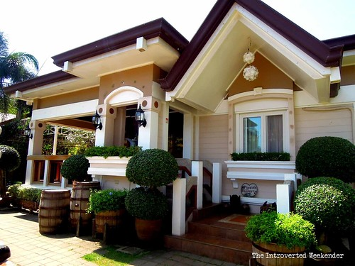 Puerto Princesa Travel Guide: fake houses inside Baker's Hill